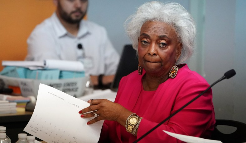 brenda snipes broward county florida resigns