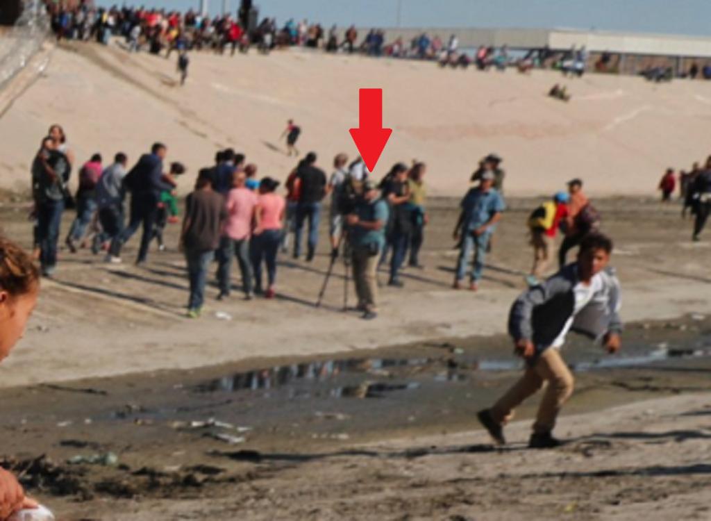 Honduras Women Children Migrants Camera Guy 3
