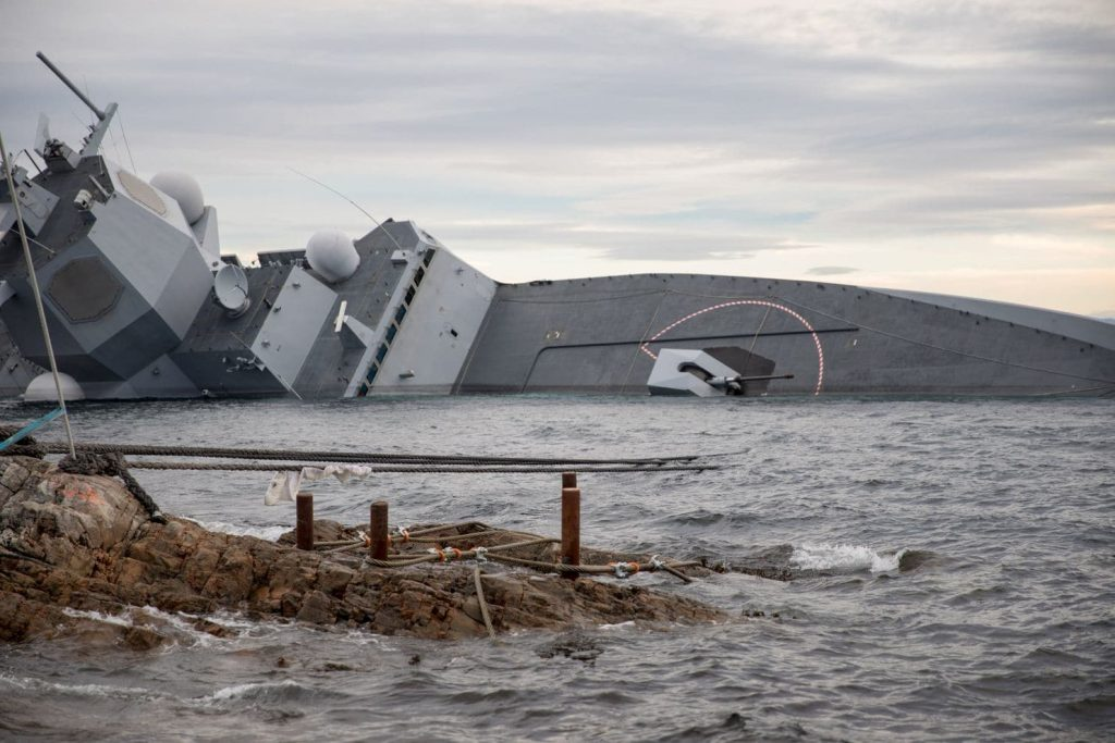 us naval officer norway frigate sinking
