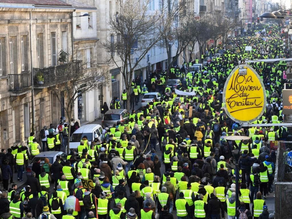 Yellow Vest Bank Run