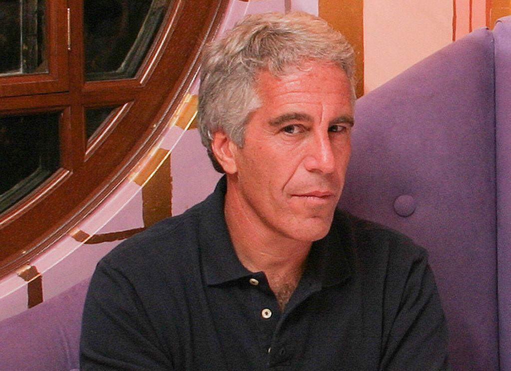 Jeffrey Epstein Allegedly Attempts Suicide New York Jail